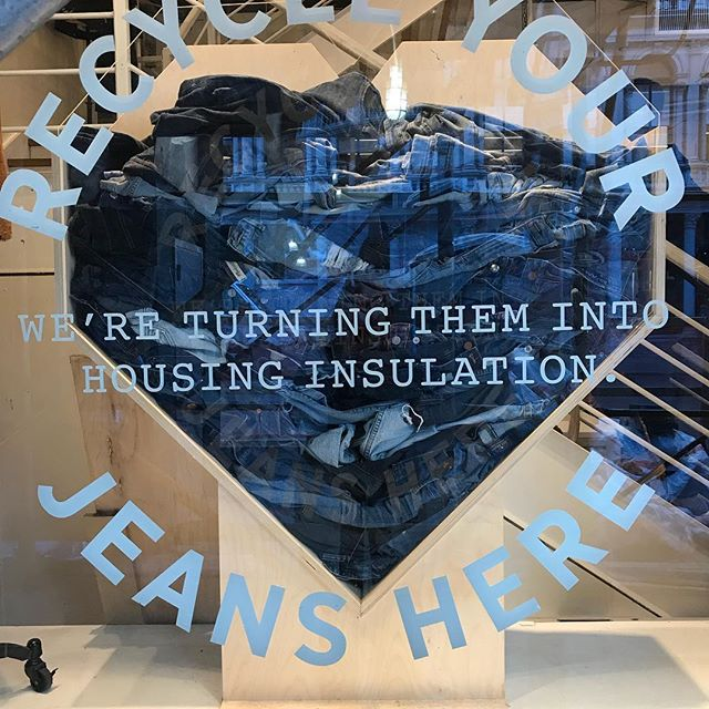 Next time your in NY drop off your old jeans at Madewell. They recycle pre-loved jeans transforming them into housing insulation in partnership with Blue Jeans Go Green. How good is that!